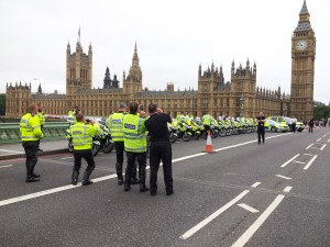 What do policemen do when the arrive at Westminster and Big Ben? Take photographs of course, just like everyone else does! The road had been closed in preparation for the finish of the Tour of Britain cycling race. Stumbling upon unexpected scenes is a lot of fun! And a lot of the most memorable moments are free.